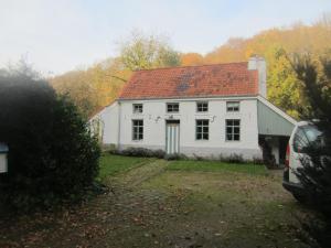 guesthouse maison de blanche neige court saint tienne belgium. Black Bedroom Furniture Sets. Home Design Ideas