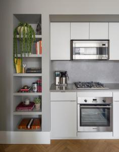 A kitchen or kitchenette at ROOST Rittenhouse