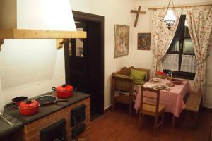 Una cocina o zona de cocina en Orgona Ház