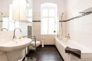 A bathroom at Apartment Fritz
