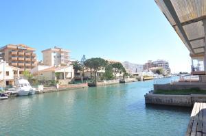 Apartaments Mediterrani