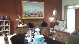 Restoran atau tempat makan lain di Villa Forest Hill B6