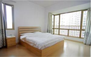 Nanning Passerby Serviced Apartment