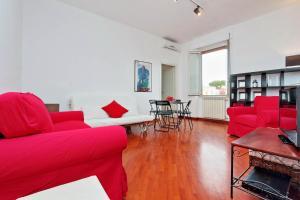 Pietro d'Assisi Halldis Apartment