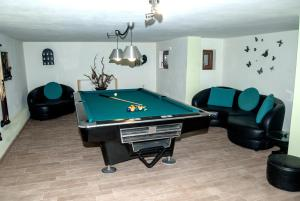 Τραπέζι μπιλιάρδου στο Villa Tasos