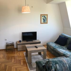 S&N Apartment
