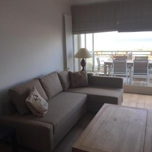 A seating area at Apartment Thalassa
