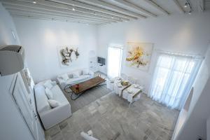 A seating area at Mykonos Art Villa