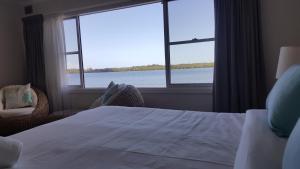 Villa Riviera on River Front