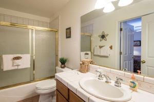 A bathroom at Lower Cascades