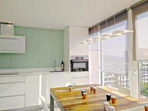 A kitchen or kitchenette at Ferran Pedralbes Penthouse