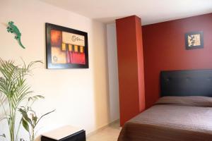Hotel Leones