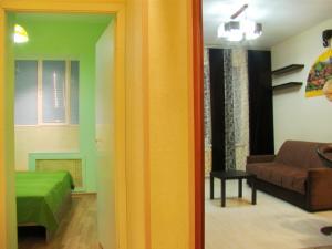 Apartment On Dunayskiy prospekt 7/3