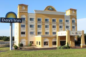 Picture of Days Inn Salado