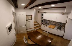 A kitchen or kitchenette at Rosa Dei Venti