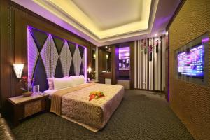 Shining Motel