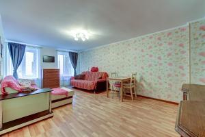 Apartment on Apraksin 3