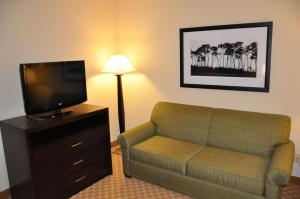 Picture of Country Inn & Suites Coon Rapids