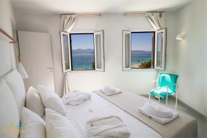 A room at Santana Beach