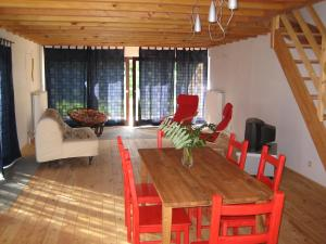 The lounge or bar area at Altiplano des Collines