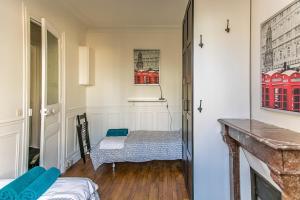 One-Bedroom Apartment near Eiffel Tower
