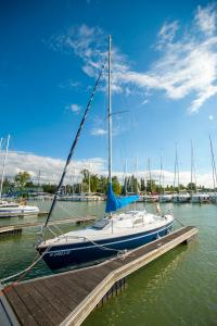 Boat & Breakfast at BL YachtClub