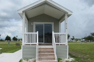 Picture of Harbor Lakes One-Bedroom Park Model 1