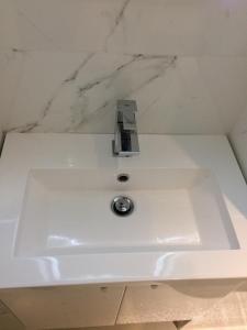 A bathroom at Paris Canal Studio - Gare de l'Est