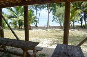 Sunny Bay Beach Bach