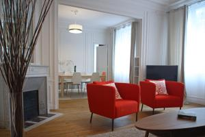 Renovated flat Montparnasse
