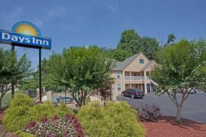 From 63 Picture Of Days Inn Canton