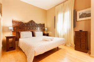 A bed or beds in a room at Sleep and Stay- Ferreries 2C