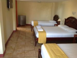 Gloria - Galápagos Inn
