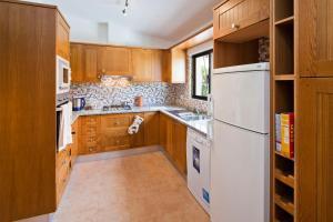 A kitchen or kitchenette at Casa Andelyn