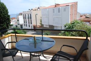 A balcony or terrace at Apartamento L Escala