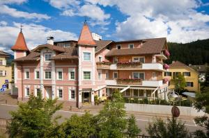 Hotel Blitzburg Brunico Booking