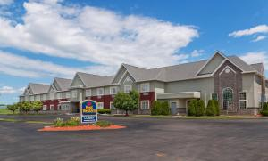 From 99 Picture Of Best Western Crown Inn Suites Batavia