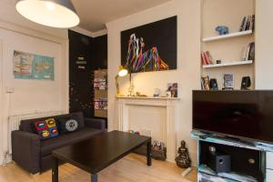 The lounge or bar area at Artist Flat in Camden Town