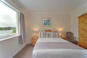Lochnell Arms Hotel