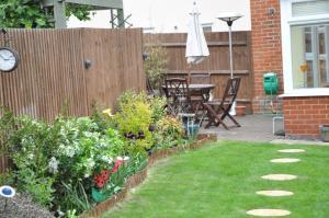 A garden outside Chancellor Park Holiday Let
