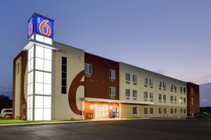 Picture of Motel 6 Poplar Bluff