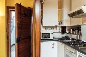 Gombruti Suite Home 1