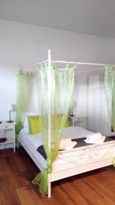 A room at Studio Apartment Niemetzstr 51