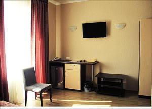 (Hotel Monarch)