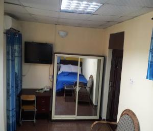 MET Hotel and Suites