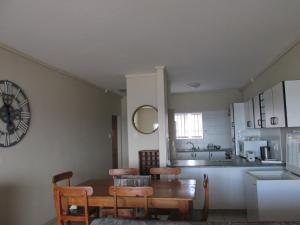 Point Village Accommodation - Ocean Two 12