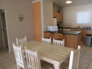 Point Village Accommodation - Estoril 28