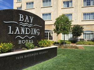 Picture of Bay Landing Hotel