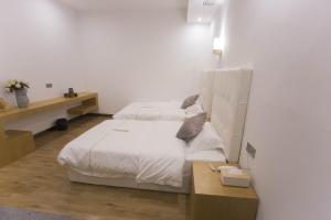 Shiwai Seventeen Yard Hostel