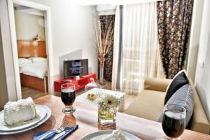 Pi Residence Suite